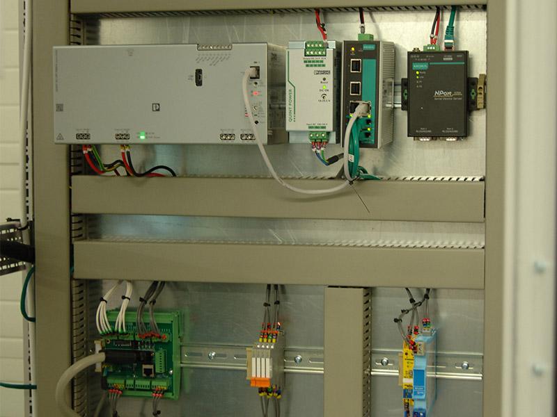 Ex~i Flow cabinet